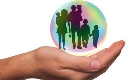 家庭健康医疗综合保险如何选择
